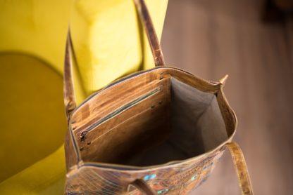 Большая кожаная женская сумка с вышивкой MARTA на молнии купить